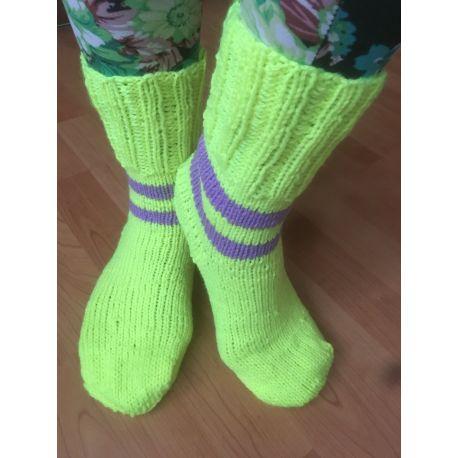 Ponožky neonově žluté, fialový pruh